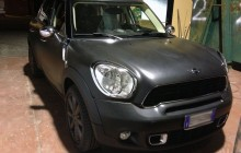 BMW Mini nera opaca